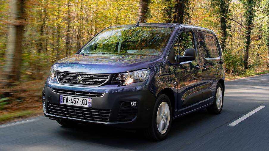 New Peugeot Partner Brochure
